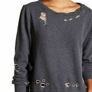 🌟NWT Romeo & Juliet Couture distressed top